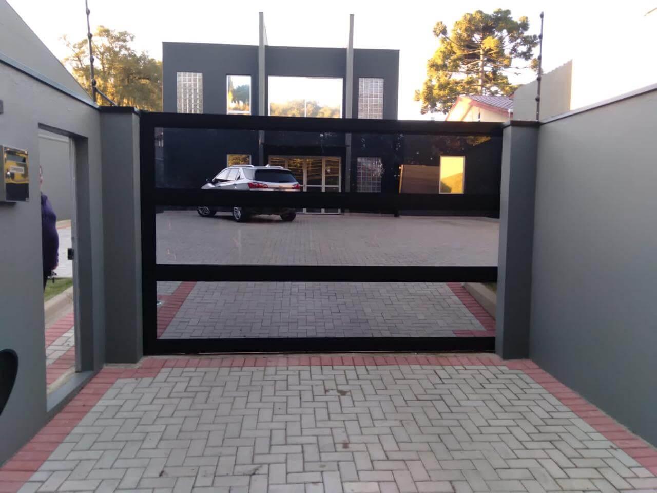 Portão de Alumínio e Vidro
